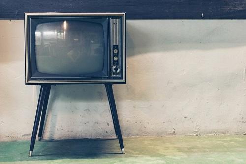 Нарушение смежных прав работающим телевизором